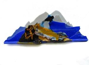 New Wave, marine debris sculpture by Pete Clarkson